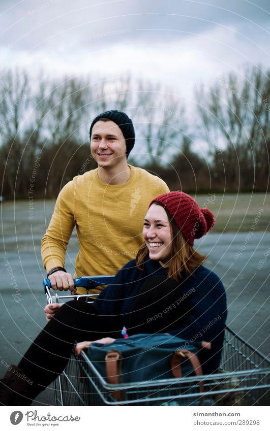 Geschwister Lifestyle kaufen Stil Student Junge Frau Jugendliche Junger Mann Freundschaft Paar Partner Leben 2 Mensch 18-30 Jahre Erwachsene Mütze Freude Glück