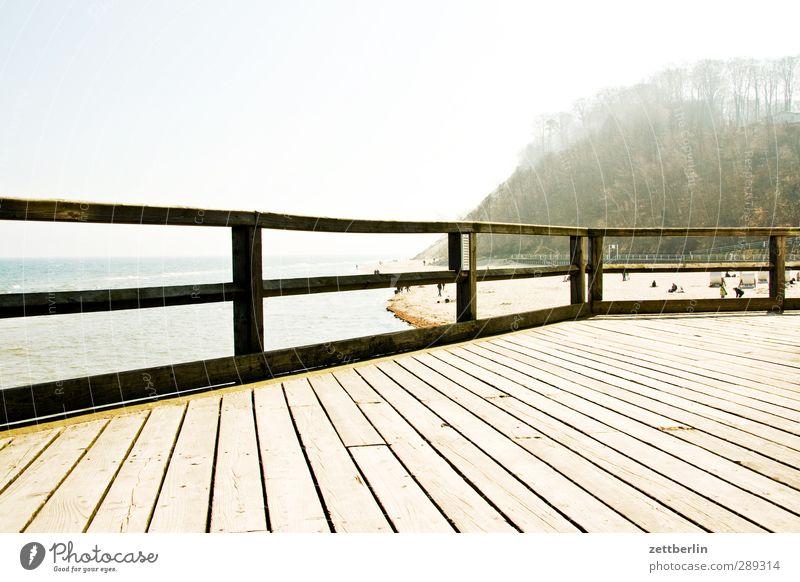 Sellin Ostsee Sonne Gegenlicht hell Sommer Seebrücke Geländer Treppengeländer Brückengeländer Holz Steg Horizont Küste Mecklenburg-Vorpommern Rügen