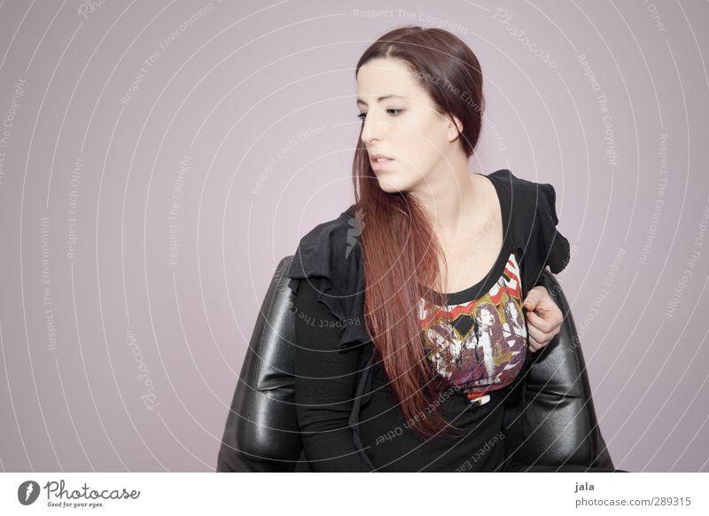 1700 | who am i Mensch feminin Frau Erwachsene 30-45 Jahre Haare & Frisuren rothaarig langhaarig sitzen ästhetisch schön Farbfoto Innenaufnahme