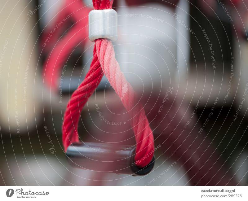on the playground sportlich Fitness Spielen Turnen Spielplatz Kunststoff Erfolg hoch rot Freude Kraft Mut Verantwortung diszipliniert Abenteuer anstrengen