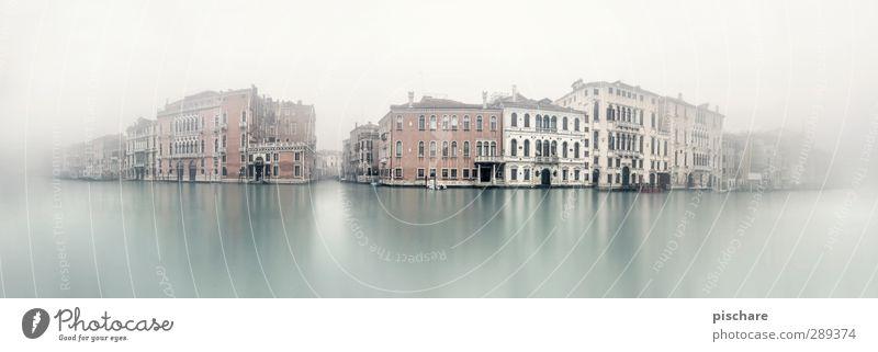 V e n e d i g Stadt Haus dunkel Fassade Nebel Tourismus Italien Skyline Flussufer Sehenswürdigkeit Altstadt Venedig schlechtes Wetter Canal Grande