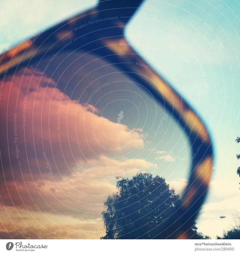 vintage clouds Sonne Natur Himmel Wolken Sommer Schönes Wetter Baum Sträucher Sonnenbrille beobachten außergewöhnlich retro blau braun gelb grün rosa rot