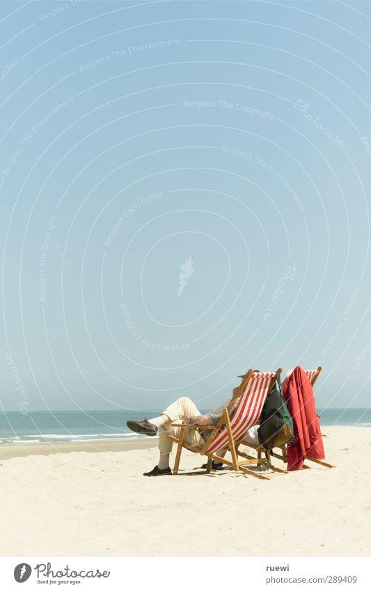 Chillin' retirees Mensch Natur Ferien & Urlaub & Reisen alt Sommer Meer Strand ruhig Erholung Leben Senior feminin Sand Paar maskulin Freizeit & Hobby