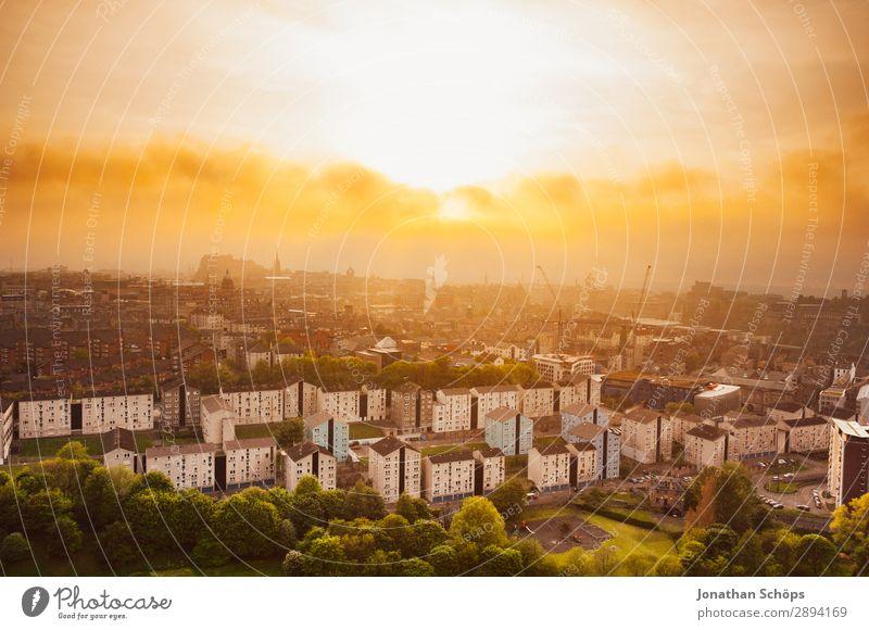 Ausblick über Edinburgh Ferien & Urlaub & Reisen Reisefotografie gelb Tourismus Freiheit Stimmung Häusliches Leben wandern leuchten Nebel Baustelle Skyline