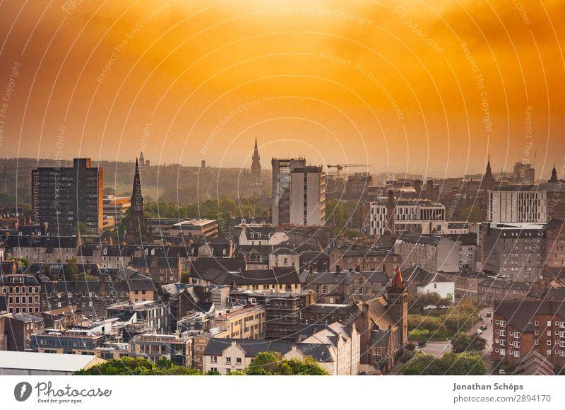 Ausblick über Edinburgh Ferien & Urlaub & Reisen Tourismus Freiheit wandern Baustelle Nebel Stadt Hauptstadt Skyline bevölkert überbevölkert Haus Gebäude bauen