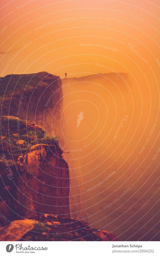 Arthur's Seat in Edinburgh im Nebel Mensch Ferien & Urlaub & Reisen Wärme Tourismus Freiheit Felsen wandern bedrohlich heiß Klippe Schottland Großbritannien