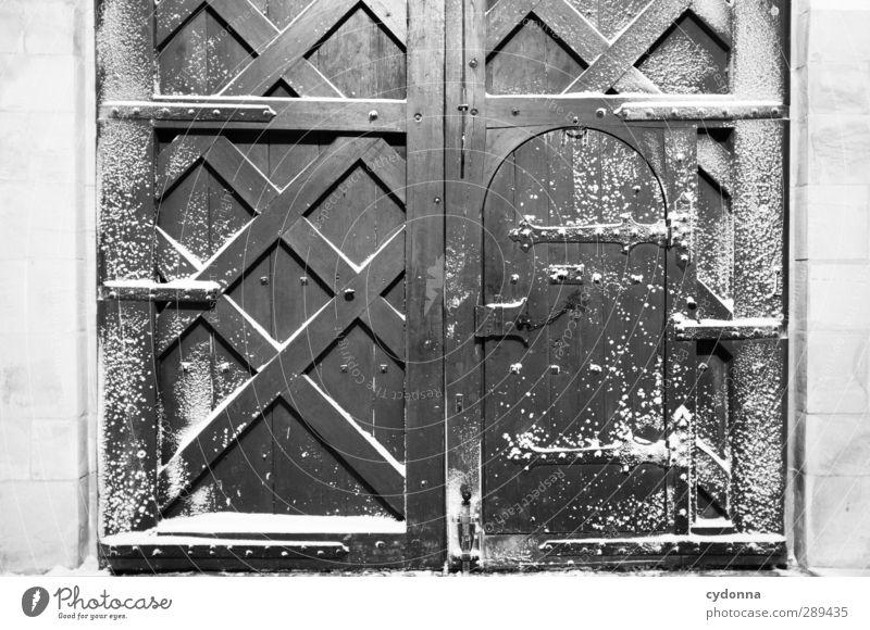 Tor zum Winter Wetter Wind Sturm Eis Frost Schnee Burg oder Schloss Mauer Wand Tür Abenteuer Beginn einzigartig entdecken Erwartung geheimnisvoll kalt Neugier