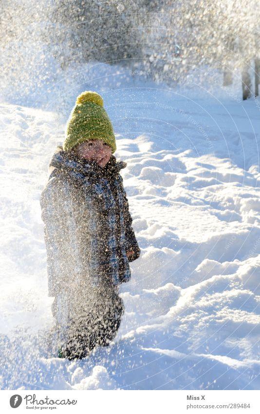 Winter Mensch Kind Freude Winter kalt Schnee Gefühle lachen Spielen Glück Schneefall Kindheit Fröhlichkeit Kleinkind Mütze 3-8 Jahre