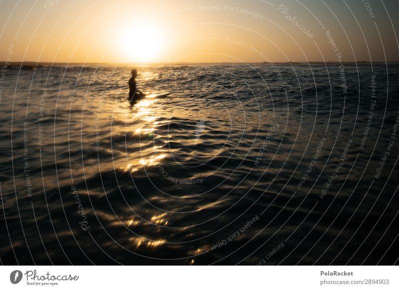#AE# golden surf Kunst ästhetisch Surfen Surfer Surfbrett Surfschule Abend Freiheit Meer Wellengang sitzen Farbfoto mehrfarbig Außenaufnahme Detailaufnahme