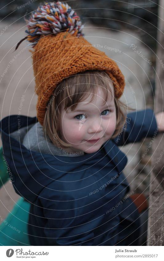 Bommelmütze Strick mädchen feminin Kleinkind Mädchen 1 Mensch 1-3 Jahre Erde Frühling Winter schlechtes Wetter Garten Regenjacke Mütze brünett kurzhaarig Pony