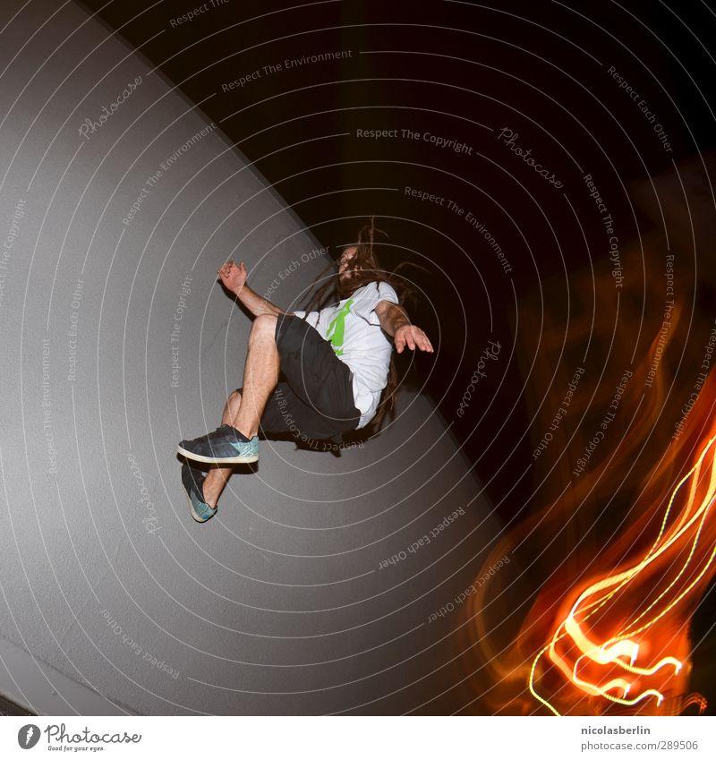 Weltuntergang | Aus der Hölle Mensch Mann Freude Erwachsene dunkel Bewegung springen Körper maskulin Angst Kraft Freizeit & Hobby Erfolg verrückt Brand Coolness