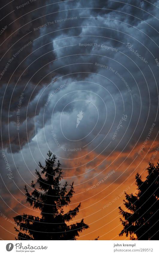 Weltuntergang   Cloudbusting Natur Landschaft Umwelt dunkel Religion & Glaube Wetter Angst Klima Energie leuchten gefährlich Wut Unwetter Sturm Krieg chaotisch