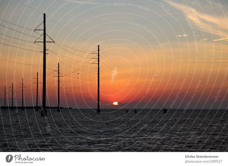Key(s) Energy Himmel Natur Wasser Meer Landschaft Frühling Küste Energiewirtschaft Insel Schönes Wetter Technik & Technologie Kabel Industrie Zusammenhalt Sonnenenergie Reihe