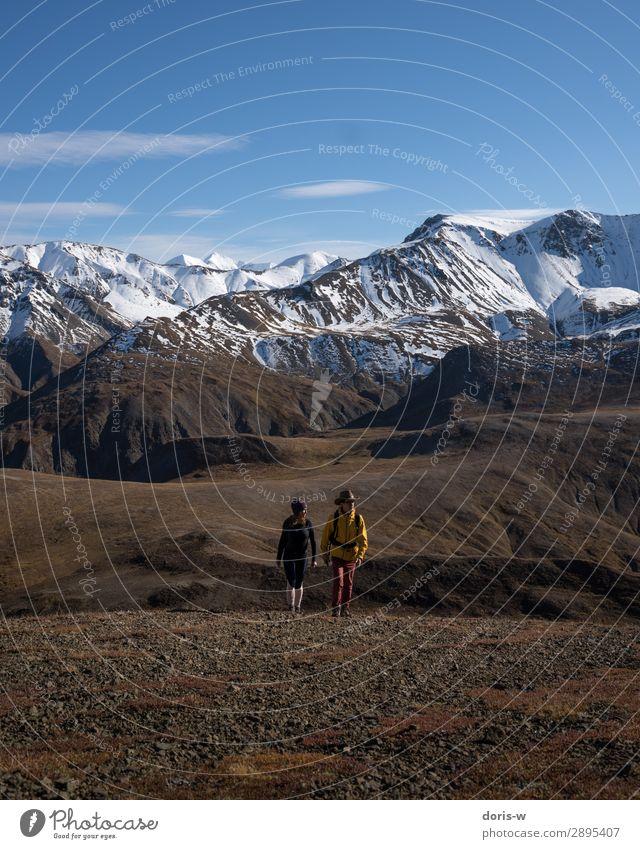 Die Gipfelstürmer Ausflug Abenteuer Ferne Freiheit Expedition Winter Berge u. Gebirge wandern Sport Mensch Paar 2 18-30 Jahre Jugendliche Erwachsene Natur