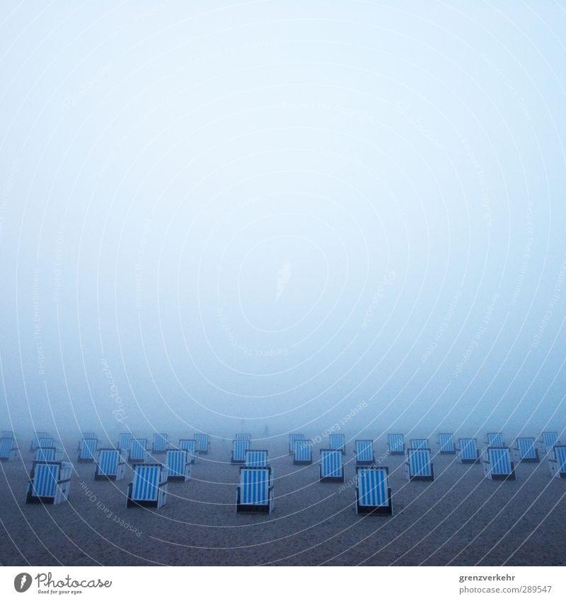Strandparade Ferien & Urlaub & Reisen Meer Einsamkeit Strand Schwimmen & Baden Nebel Tourismus Strandkorb