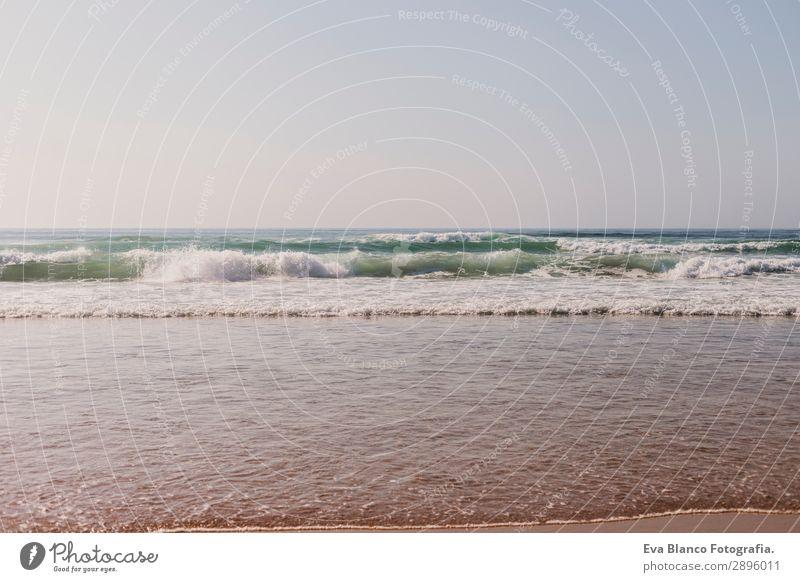 Landschaftsstrand in Portugal. Sonnenuntergang, Ferienkonzept Erholung Ferien & Urlaub & Reisen Sommer Strand Meer Insel Natur Sand Himmel Wolken Horizont
