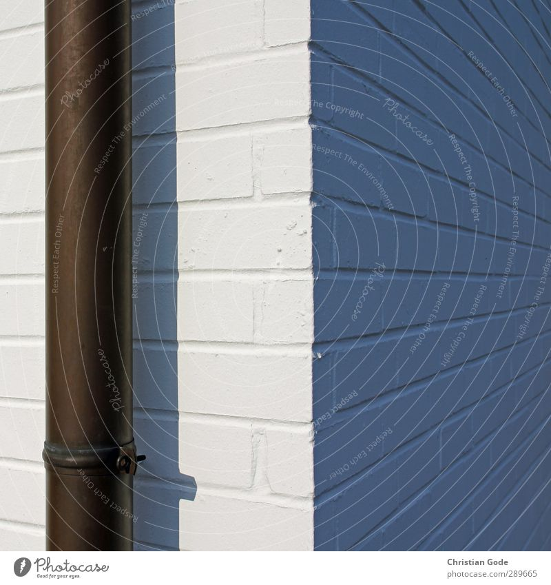 Flucht und Rohr weiß Haus Wand Architektur Mauer grau Gebäude Stein Fassade Hochhaus Beton Ecke Bauwerk Quadrat Röhren Vernetzung