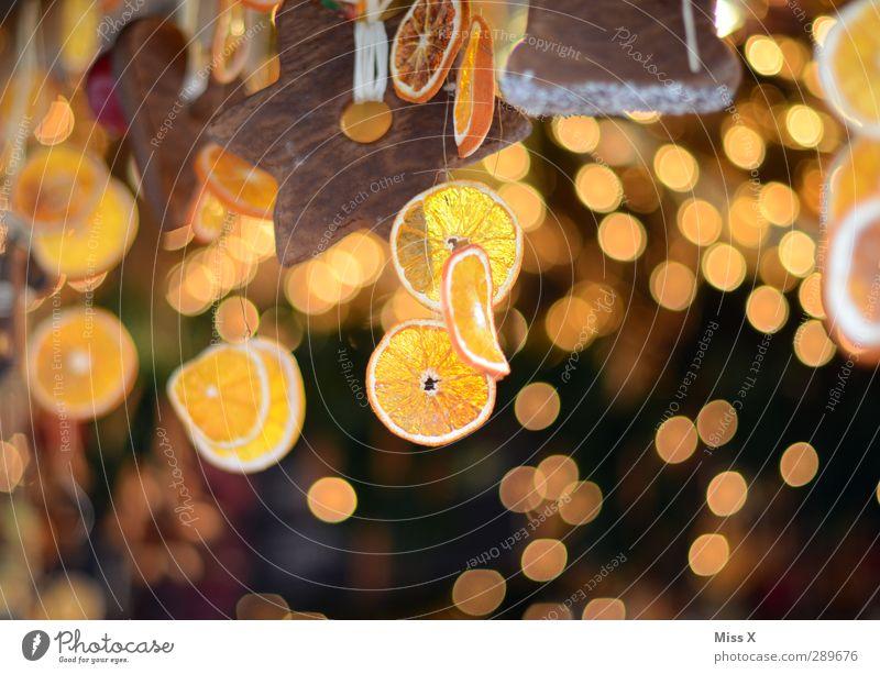 Weihnachtsmarkt Lebensmittel Frucht Teigwaren Backwaren Süßwaren Schokolade Ernährung Weihnachten & Advent leuchten Orange Orangenscheibe Lichterkette