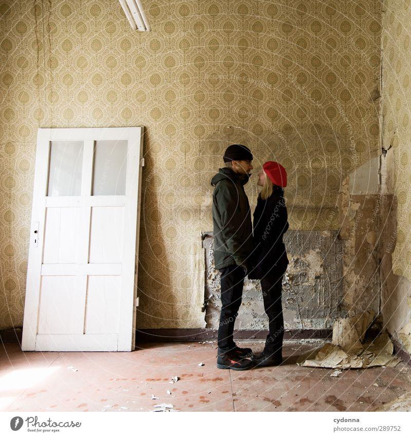 Hallo! Häusliches Leben Renovieren Umzug (Wohnungswechsel) Tapete Raum Mensch Junge Frau Jugendliche Junger Mann Freundschaft Paar 2 18-30 Jahre Erwachsene Tür
