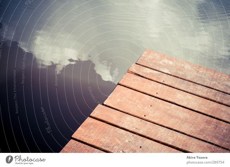 Steg zum Himmel blau Himmel (Jenseits) Wasser weiß Wolken Wege & Pfade Holz See braun gehen Reflexion & Spiegelung