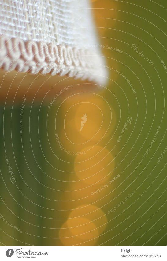 und dann gibt´s wieder Diskussionen | Sterntaler... alt grün weiß gelb Lampe Stimmung außergewöhnlich glänzend Häusliches Leben leuchten Dekoration & Verzierung ästhetisch retro rund einzigartig Netzwerk