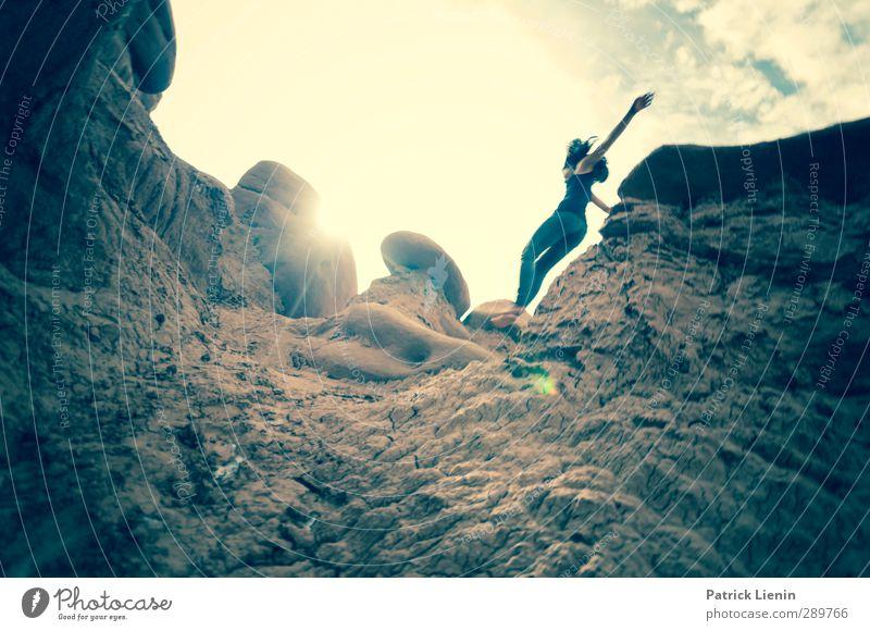 So Easy Mensch Frau Natur Jugendliche Ferien & Urlaub & Reisen schön Sommer Sonne Landschaft Erholung Erwachsene Junge Frau Ferne Umwelt feminin Senior