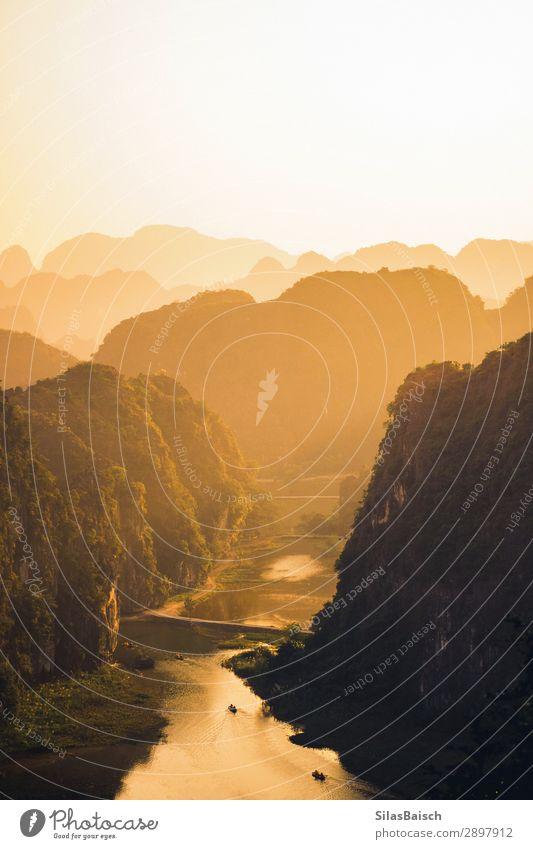 Sonnenuntergang über Vietnam Wellness Ferien & Urlaub & Reisen Tourismus Ausflug Abenteuer Ferne Freiheit Städtereise Kreuzfahrt Safari Expedition Camping