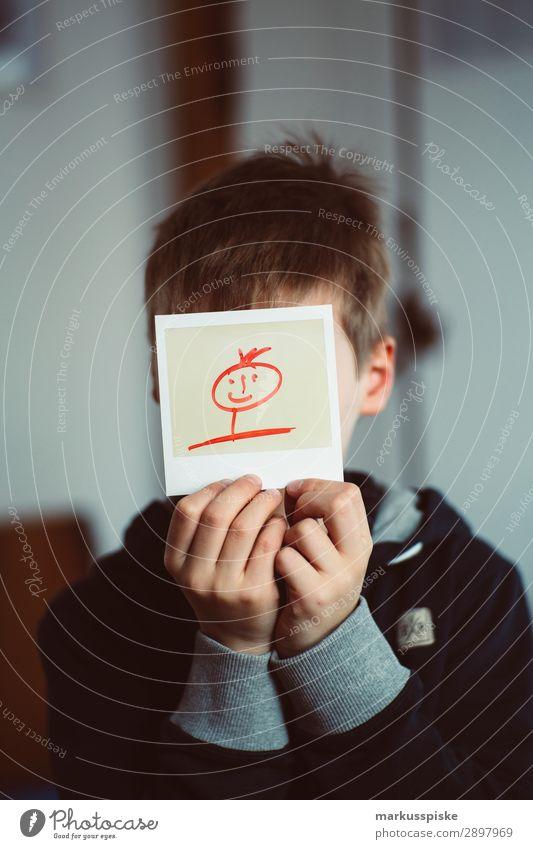 Analog Fotografie Polaroid Instant Kindererziehung Kindergarten Schule lernen Junge Körper Kopf Hand Finger 1 Mensch 3-8 Jahre Kindheit Kunst Medien