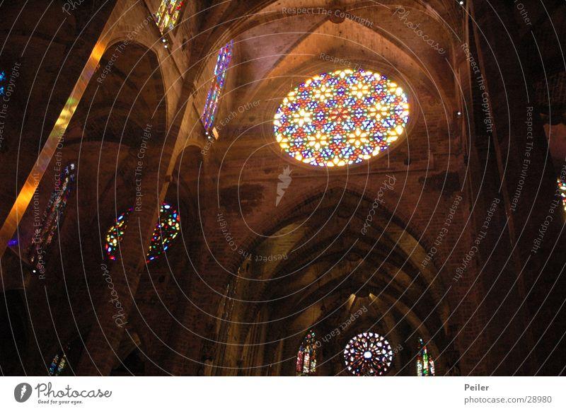 Licht im Dunkel 3 schwarz Farbe Lampe dunkel Fenster Religion & Glaube Glas glühen Gotteshäuser Lichtstrahl
