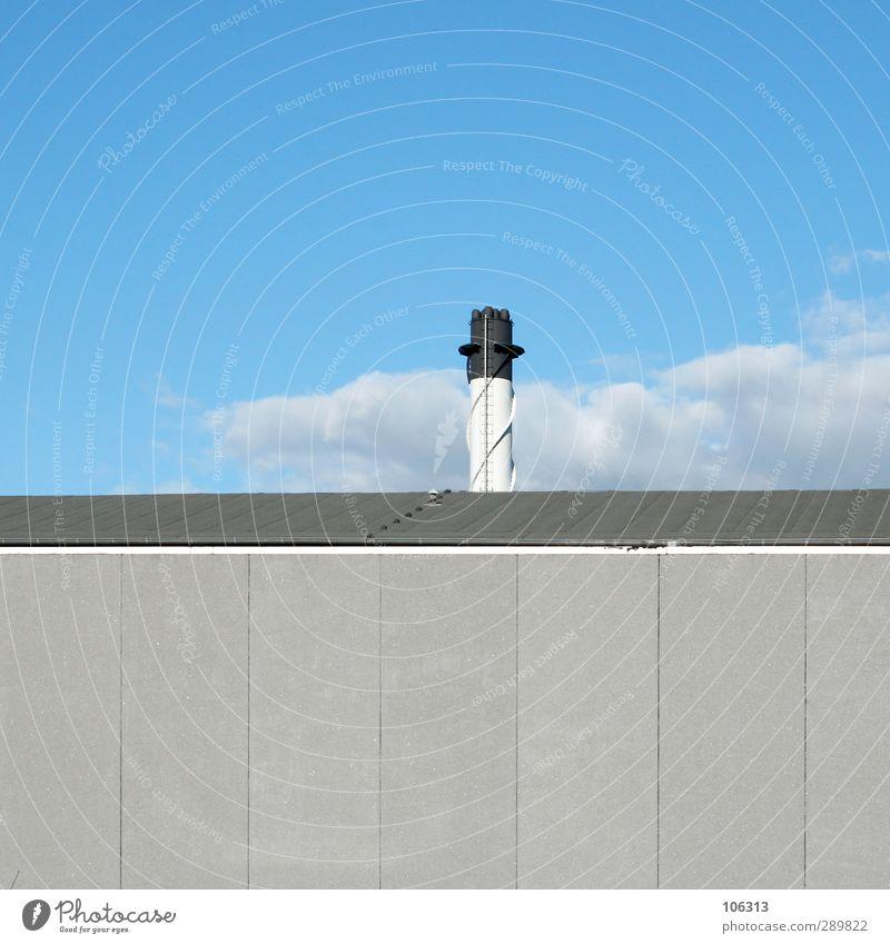 s/w Industrieanlage blau grau schwarz weiß Turm Wand Wolken Dach ruhig industriell Industriefotografie Himmel Penis Phallussymbol Einsamkeit