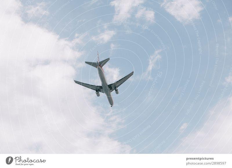 Fernweh Lifestyle Ferien & Urlaub & Reisen Abenteuer Ferne Freiheit Natur Luft Wolken Menschenleer Luftverkehr Flugzeug Passagierflugzeug Erholung fliegen
