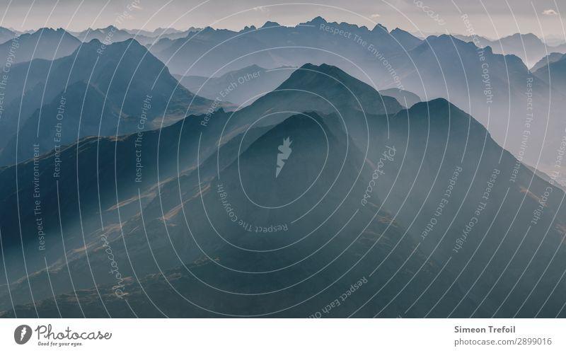 The Mist Tourismus Abenteuer Ferne Freiheit Sommer Berge u. Gebirge wandern Bergsteigen Urelemente Allgäu Alpen Tannheimer Tal Kleinwalsertal Gipfel frei
