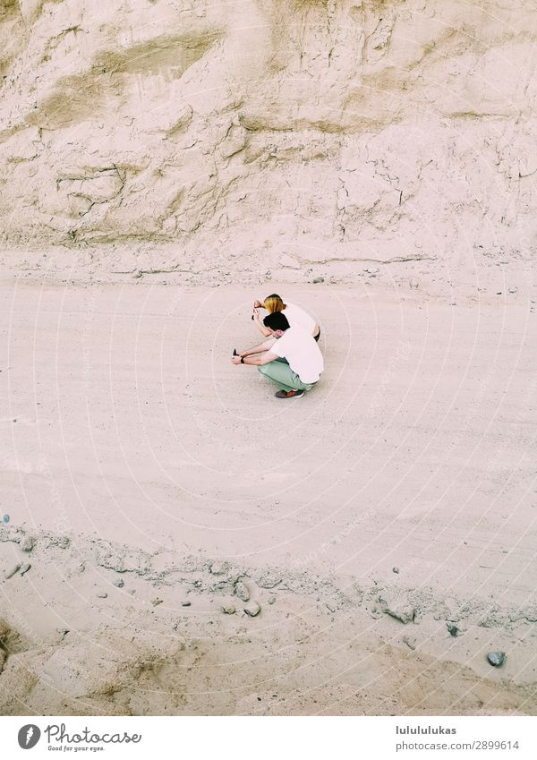 das sind zwei fotografierende menschen. Mensch Ferien & Urlaub & Reisen Jugendliche Sommer Reisefotografie 18-30 Jahre Erwachsene Paar Tourismus Freundschaft