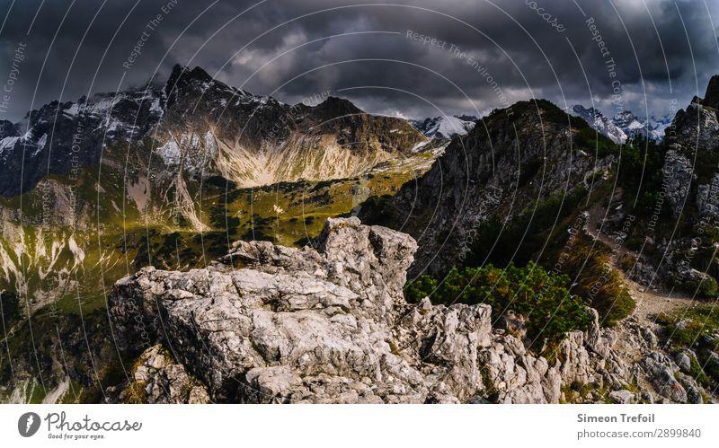 Allgäuer Alpen wandern Ferne Freiheit Sommer Berge u. Gebirge Nebelhorn (Berg) Oberstdorf Umwelt Landschaft Gewitterwolken Klima Unwetter Gipfel bedrohlich