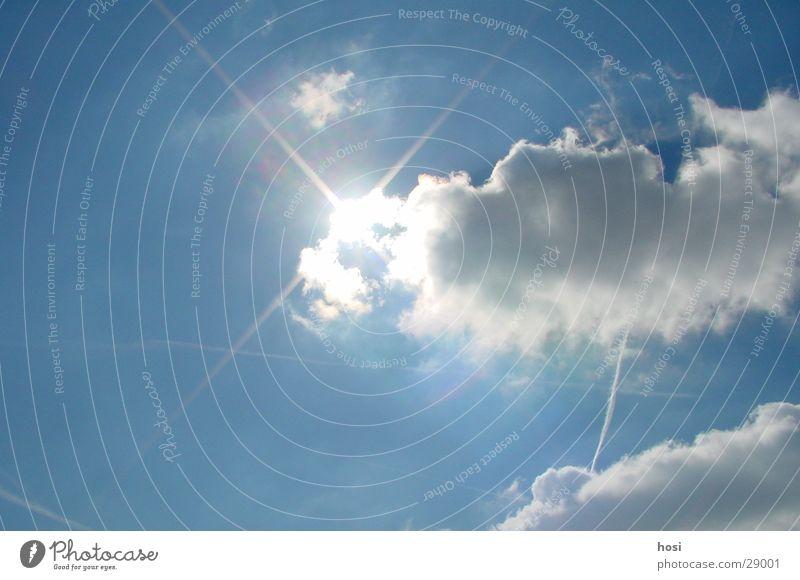 Die Sonne schafft es immer Wolken verdrängen Sonneinschein blau Himmel Beleuchtung Wetter