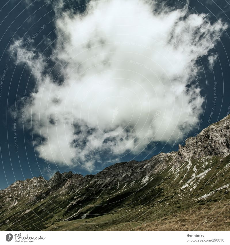 Erhebend. Himmel Natur blau grün schön Sommer Wasser weiß Landschaft Wolken Ferne Berge u. Gebirge Umwelt Stein Stimmung Felsen