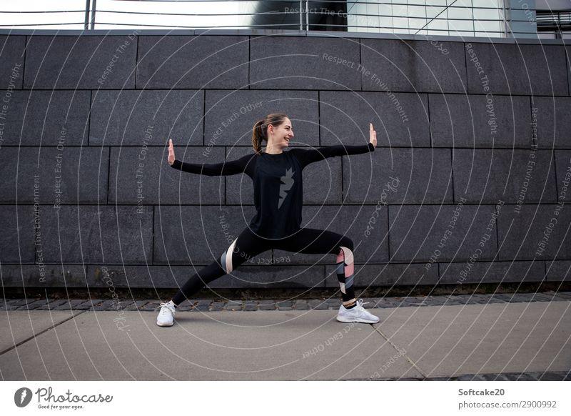 Power Pose Sport Fitness Sport-Training Sportler Erfolg Yoga feminin Junge Frau Jugendliche Erwachsene 1 Mensch 18-30 Jahre atmen Kraft sportlich Graureiher