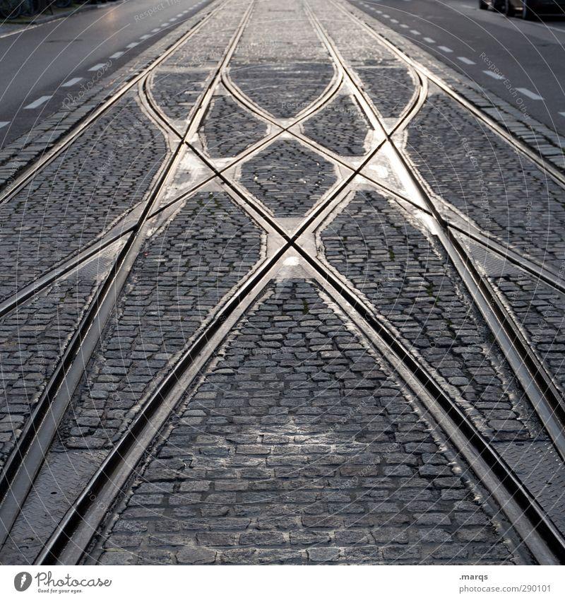 Weiche Verkehr Verkehrswege Personenverkehr Öffentlicher Personennahverkehr Schienenverkehr Bahnfahren Straßenbahn Gleise Kopfsteinpflaster Stein Metall Zeichen