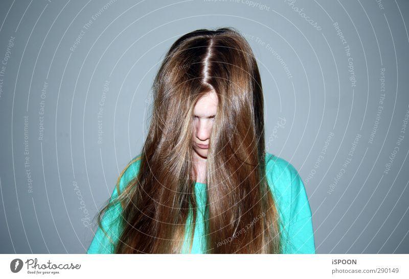 HANG OVER Mensch Kind Jugendliche schön Junge Frau feminin lustig Haare & Frisuren Kopf blond stehen modern Mund 13-18 Jahre verrückt Nase