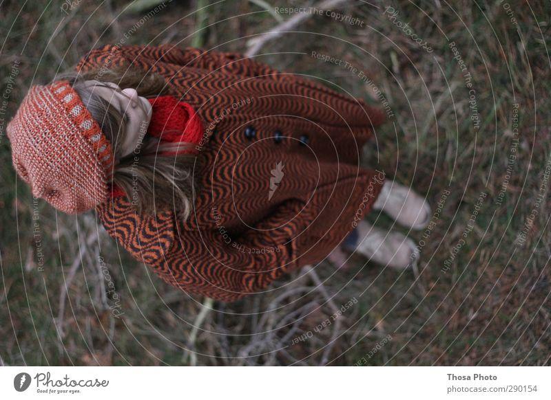 Waiting feminin Junge Frau Jugendliche Körper Kopf Haare & Frisuren 1 Mensch 13-18 Jahre Kind 18-30 Jahre Erwachsene Umwelt Natur Wald alt blond historisch wild