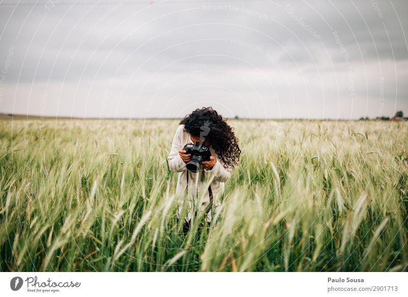 Fotografische Felder für Mädchen Lifestyle Fotografie Ferien & Urlaub & Reisen Abenteuer Frühling Fotokamera Junge Frau Jugendliche Erwachsene 1 Mensch