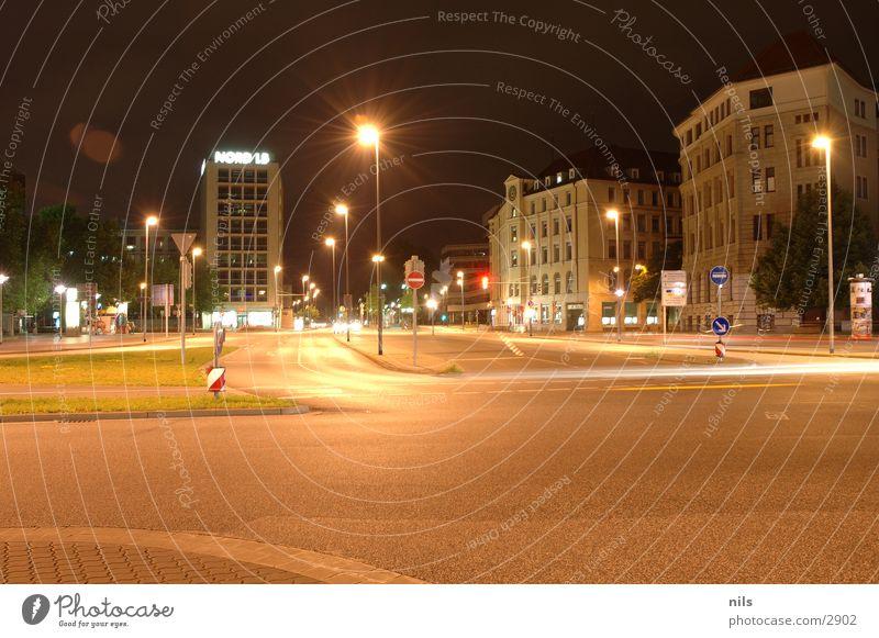 Aegi Nightshot 1 Aegidientor Hannover Nacht Langzeitbelichtung Stadt Stadtzentrum Mischung