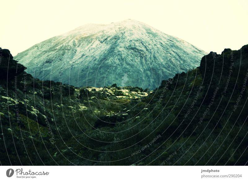 Gipfeltreffen Umwelt Landschaft Urelemente Erde Himmel Wolkenloser Himmel Horizont Klima Klimawandel Wetter Hügel Felsen Berge u. Gebirge Schneebedeckte Gipfel