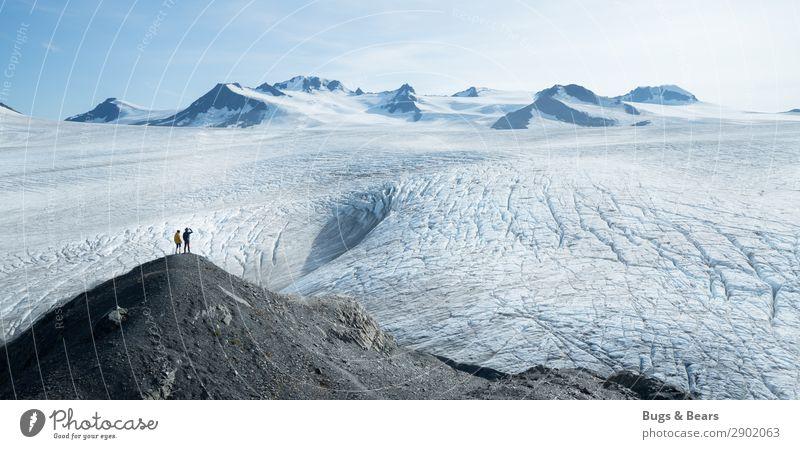 Gletscherfeld in Alaska Ausflug Abenteuer Ferne Freiheit Expedition Winter Schnee Winterurlaub Berge u. Gebirge wandern Paar Partner 2 Mensch Natur Landschaft