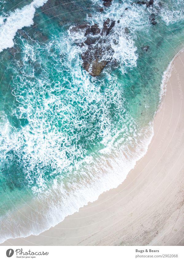 Vogelperspektive Natur Landschaft Sand Wasser Schönes Wetter Wellen Küste Strand Bucht Riff Korallenriff Meer Abenteuer Indonesien Reisefotografie Sandstrand