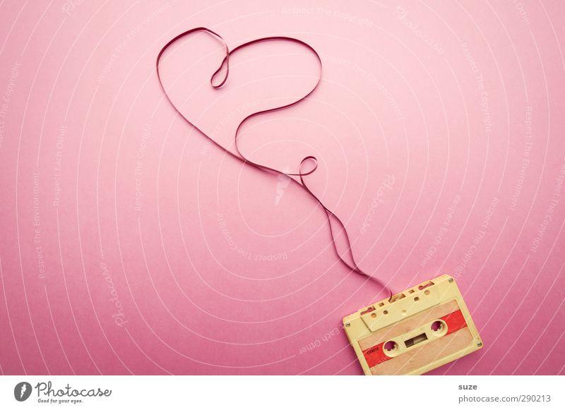 Heartbeats Lifestyle Stil Design Freizeit & Hobby Valentinstag feminin Musik Musik hören Medien Zeichen Herz einfach retro rosa Gefühle Liebe Verliebtheit