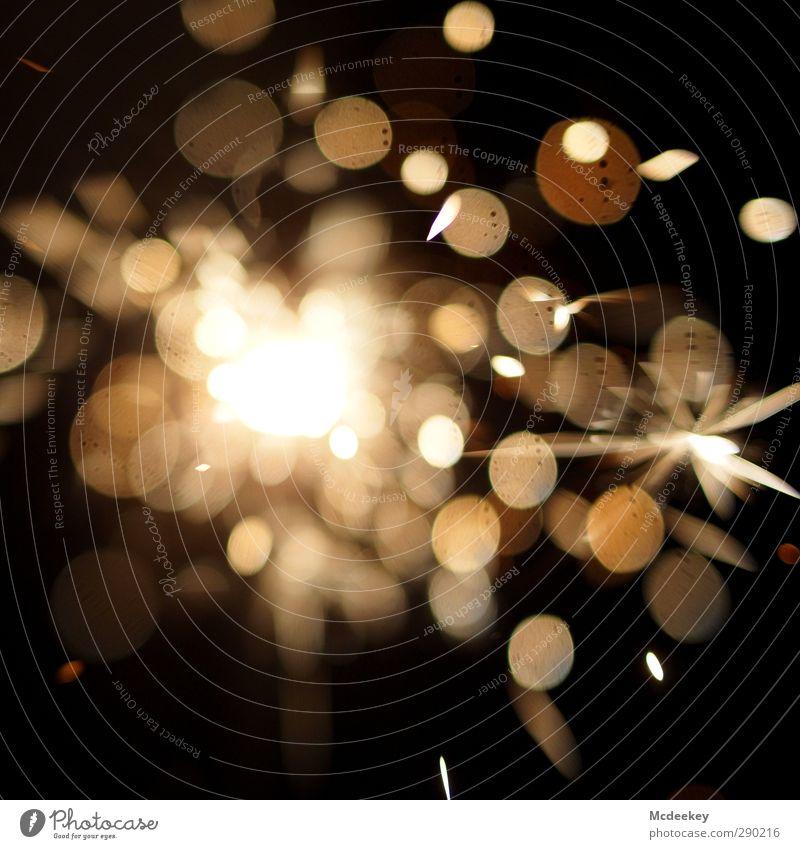 Funkenalarm (4) Metall Feuerwerk Wunderkerze außergewöhnlich eckig fantastisch heiß rund verrückt schön braun gelb gold grau orange schwarz weiß