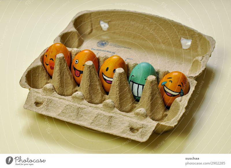 egg-gang im eierkarton Ei Osterei bemalt Kunst Ostern Tradition Feste & Feiern Smiley lachen Witz Humor lustig Freude Gesicht Clique Unsinn Eierkarton Frühling