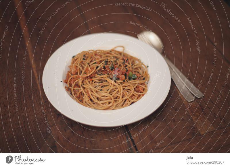 spaghetti al tonno Lebensmittel Ernährung Appetit & Hunger lecker Geschirr Bioprodukte Teller Backwaren Mittagessen Teigwaren Besteck Gabel Löffel Holztisch