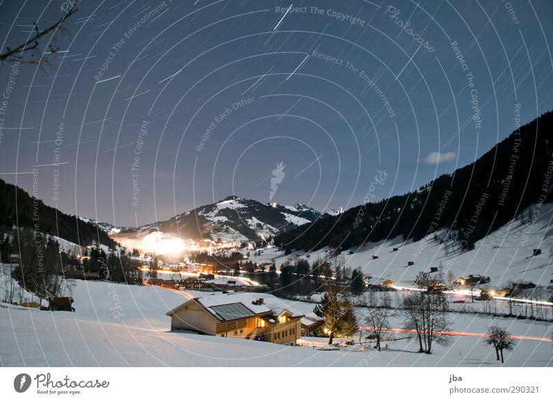 Silvesternacht II Himmel Ferien & Urlaub & Reisen Landschaft Haus Winter Umwelt Berge u. Gebirge Leben Schnee Bewegung Aktion Tourismus Schönes Wetter Stern Ast Alpen